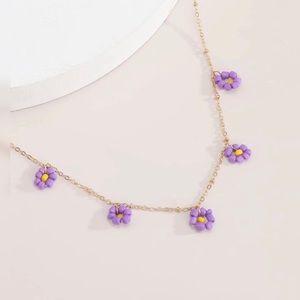Jewelry - NEW CUTE PURPLE BEADED FLOWERS GOLDEN NECKLACE